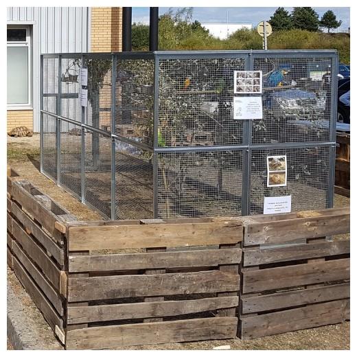 Volière neuve en panneaux galva, 4x2x2 M, avec petite ou grande porte.